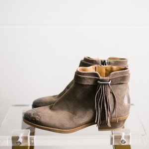 Nine West Women's Leather Distressed Boot 7.5